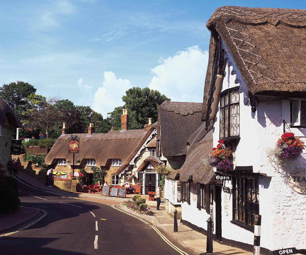 Coach holidays to Shanklin