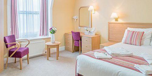 Queens-Eastbourne-Bedroom